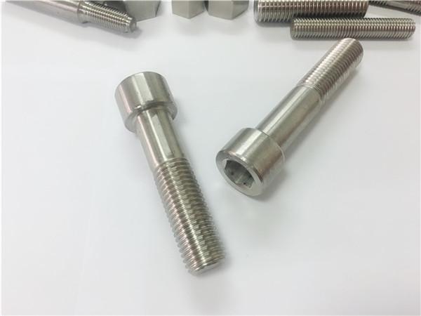 Kineska učvršćivač proizvođač prilagođeni vijak od mesinga