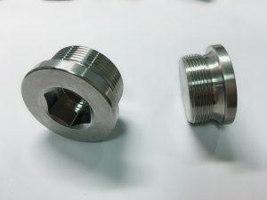 prstenasti vijak izrađen od nehrđajućeg čelika s ključem ss